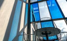 smart glass – Kernkomponente der adaptiven Gebäudehülle